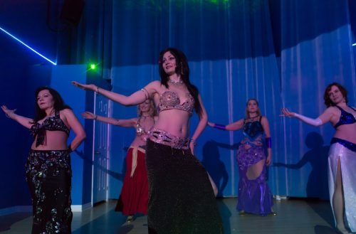 Interactive online dance lessons Belly Dance, Kizomba, Urban Kiz, Man Ladies Styling, Tarraxinha, Tarraxa. Group and private lessons